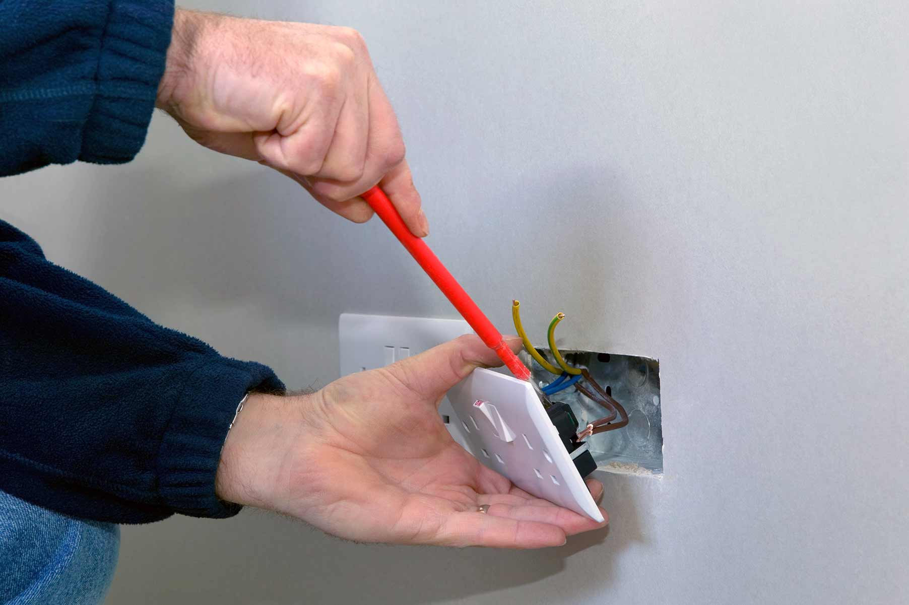 Our electricians can install plug sockets for domestic and commercial proeprties in Beddington and the local area.